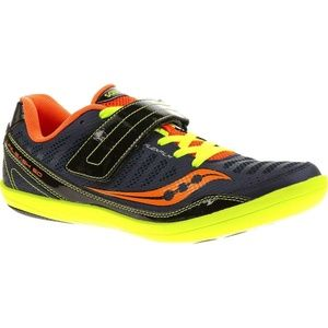 Saucony Throw shoes